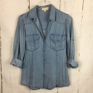 Cloth & Stone | Chambray Button Down Top